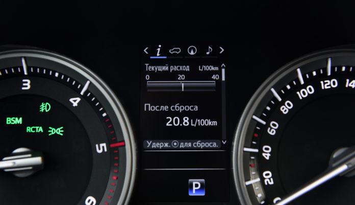 """Тест-драйв Тойота Ленд Крузер 200 2017 года - новый """"Крузак"""" очень хорош!"""