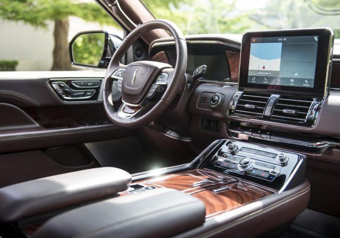Компания Lincoln представила long модификацию внедорожника Navigator
