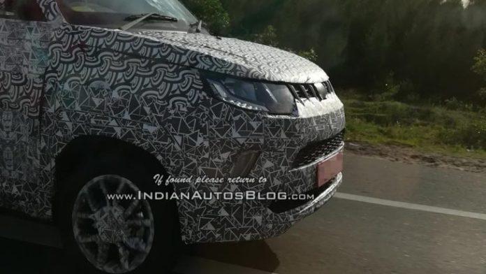 Компактный кроссовер индийской марки Mahindra KUV100 ждет рестайлинг