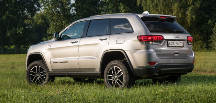 Суровый внедорожник Jeep Grand Cherokee Trailhawk уже в России