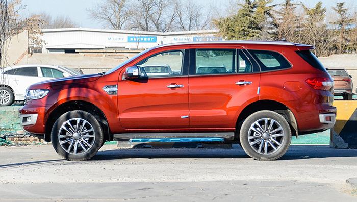 В Китае стартовали продажи обновленного внедорожника Ford Everest
