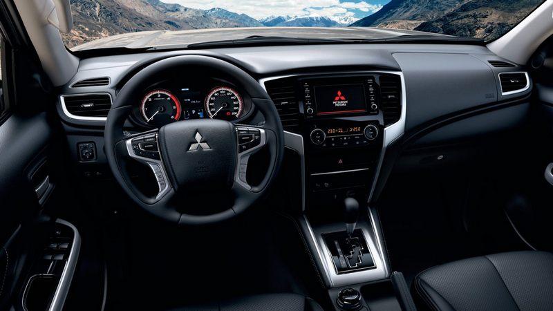 панель Mitsubishi L200