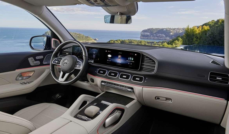 Компания Mercedes-Benz в Европе начала прием заявок на новый кросс GLS