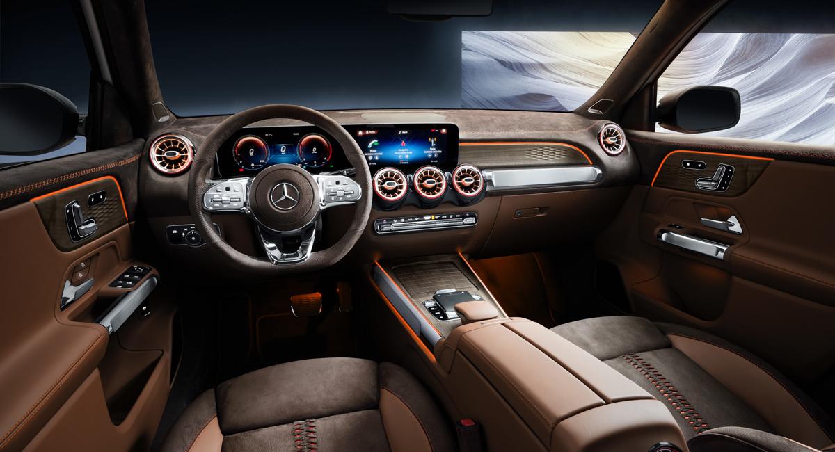 Предсерийный прототип нового кросса Mercedes-Benz GLB представлен в Шанхае