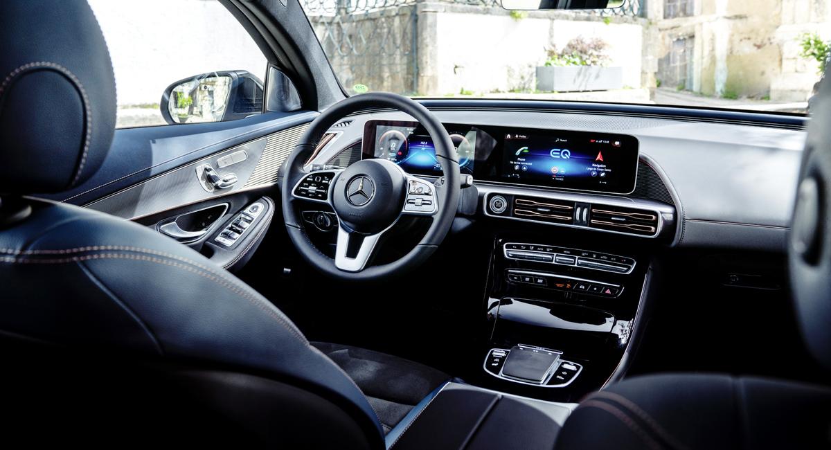 Новейший электрический кроссовер Mercedes-Benz EQC в Германии стартует с продажами