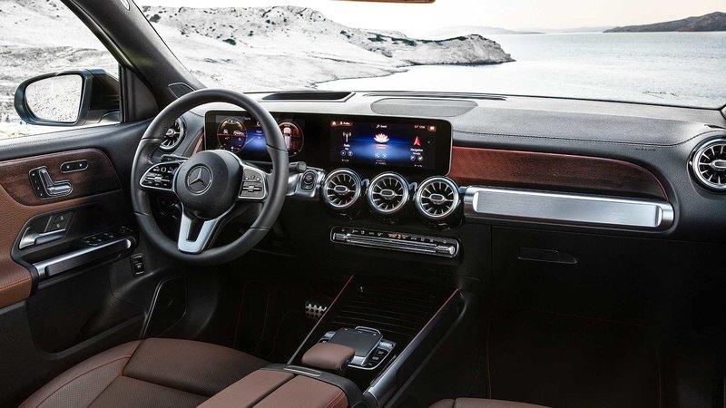 Кроссовер Mercedes-Benz GLB представлен в серийном исполнении