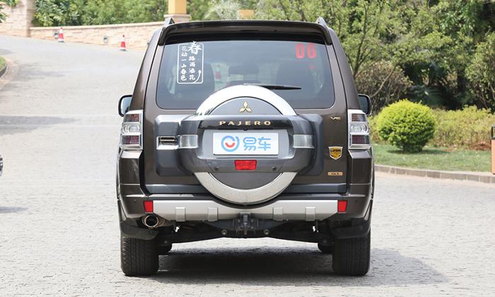 В Поднебесной анонсирован выпуск упрощенной модификации кросса Mitsubishi Pajero