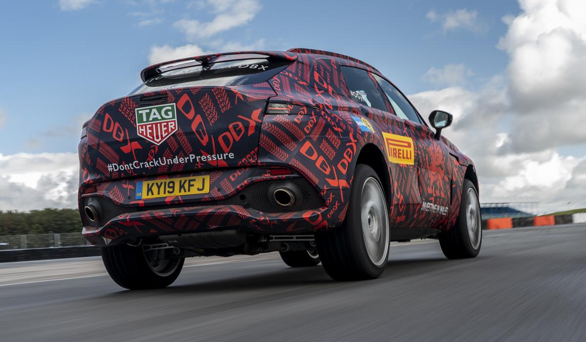 Кросс Aston Martin DBX только готовится к дебюту, но уже доступен к заказу в РФ