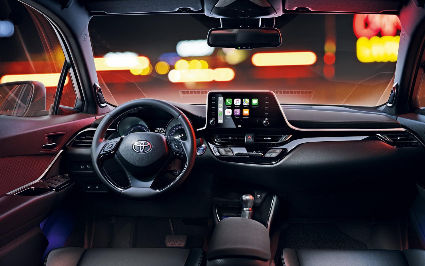 Российские дилеры Toyota начали прием заявок на обновленный кросс C-HR