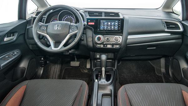 Компания Honda рассекретила рестайлинговую версию кросса WR-V