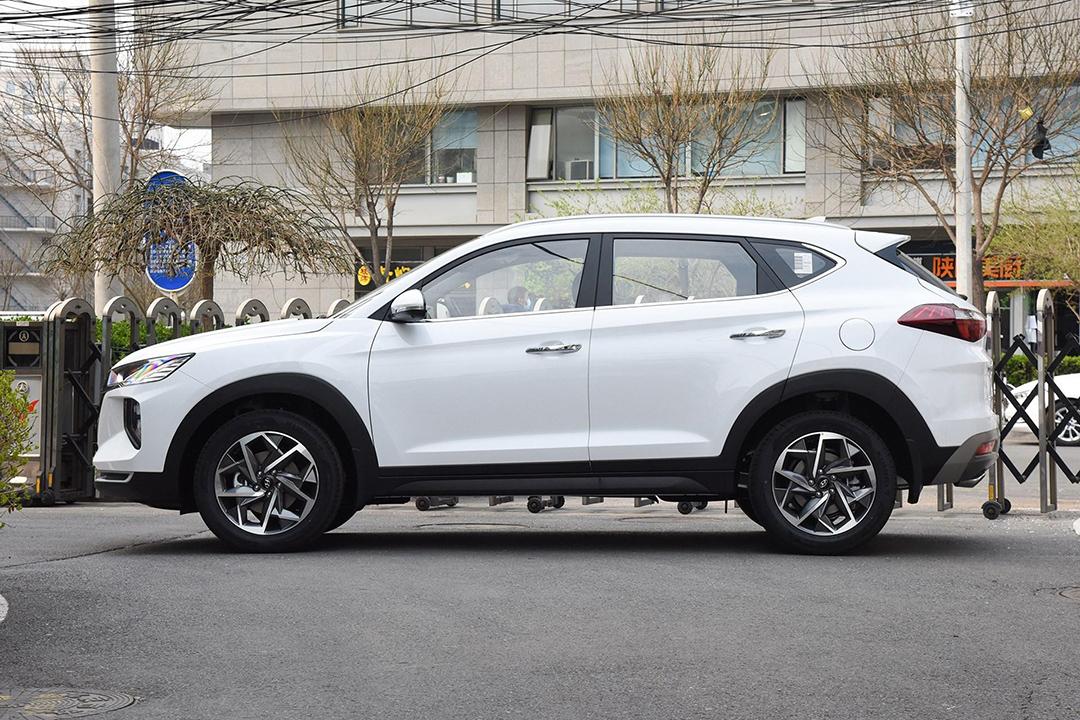 В Китае начались продажи обновленного кросса Hyundai Tucson