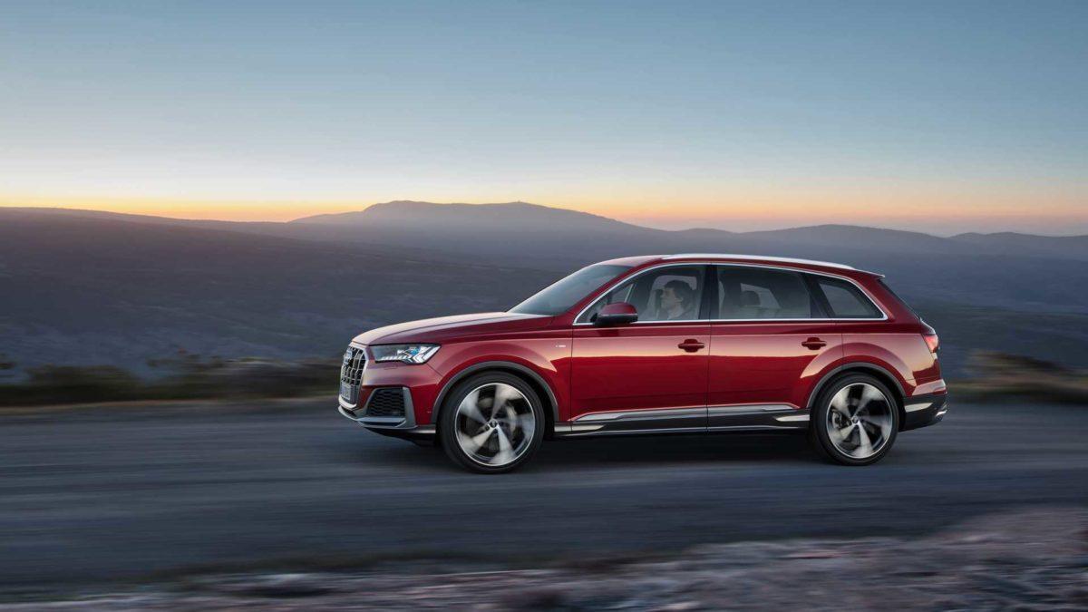 Российские дилеры открыли продажи обновленной модели Audi Q7