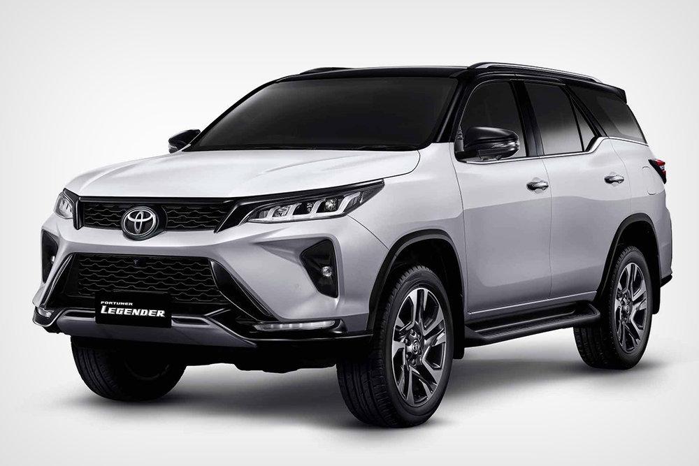 Официально представлен обновленный внедорожник Toyota Fortuner