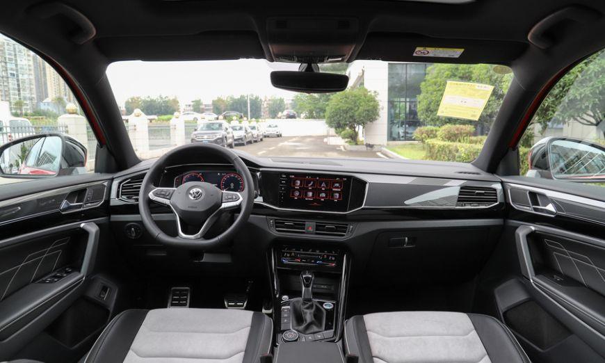 В Китае официально представлен купеобразный кросс Volkswagen Tayron X