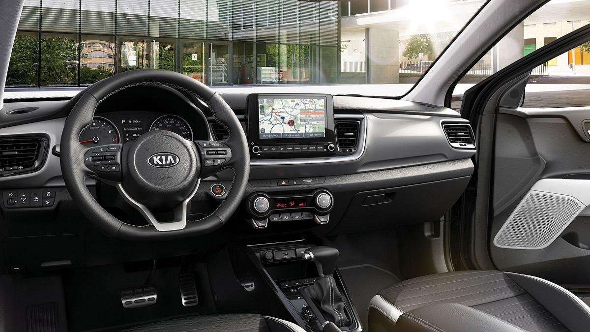 Kia презентовала модернизированный кроссовер Stonic для европейских рынков